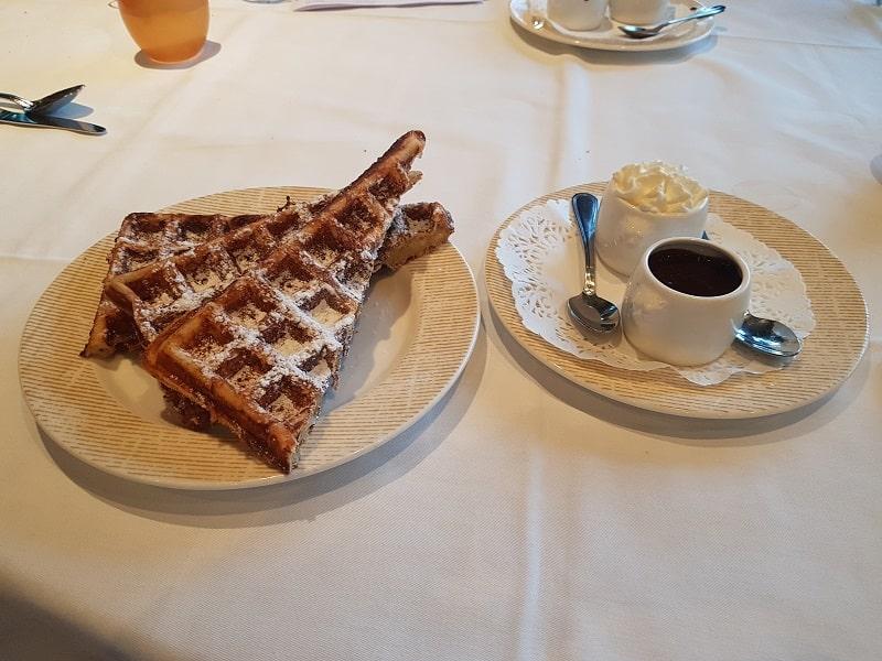 Brasserie/Restaurant Argenson Lyon - Dessert gaufres maison chantilly chocolat